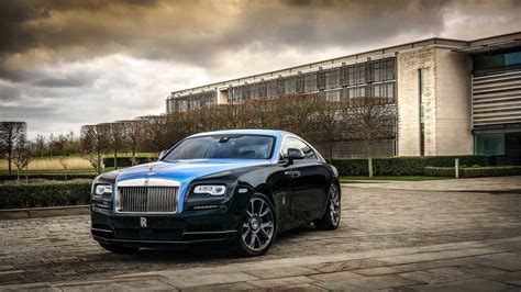 This one-off Rolls-Royce Wraith is signed with stars | Top