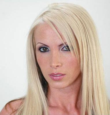 Poze Nikki Benz - Actor - Poza 33 din 43 - CineMagia