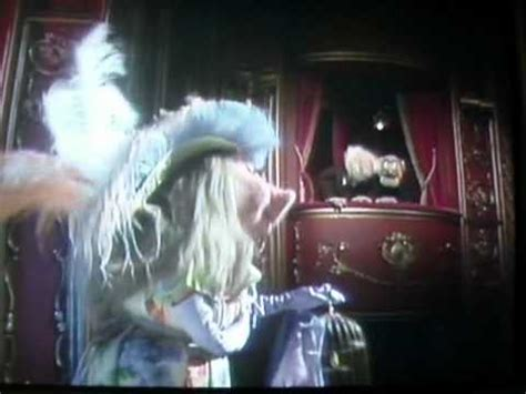 """The Muppets """"THE DIVA"""" Miss Piggy, singing - (MY OLD MAN"""
