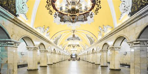 15 Russian metro stations that look like palaces