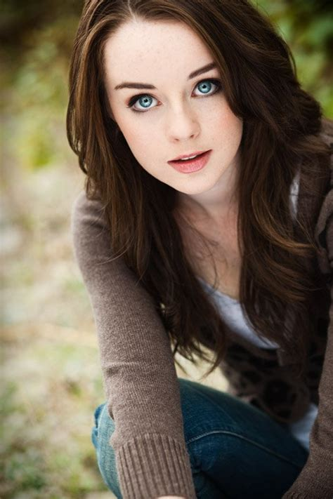 Kacey Rohl - Actor - CineMagia